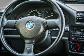 BMW 325 i E30 Touring  18