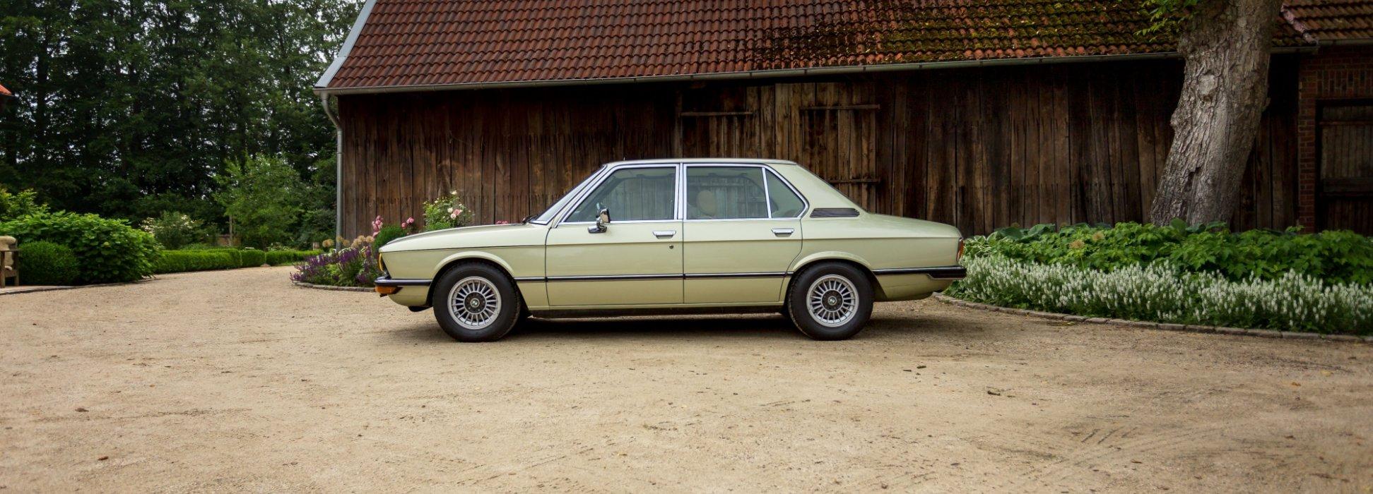 BMW 525 E12 Limousine 1976 2